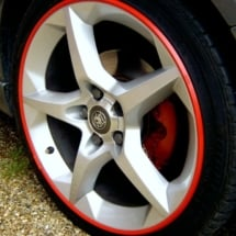 Vauxhall with red AlloyGator Wheel Protectors.jpg