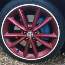 Stuart-Dixon-Charity-Sponsor-Wheels-Jaguar Alloy wheel with White Alloy wheel rim protetors