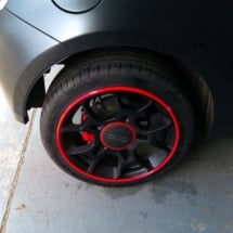 Black Fiat 500 With Black Alloy Wheels, Red AlloyGator Alloy Wheel Protector And Red Brake Callipers