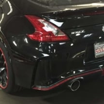Black Nissan with Red AlloyGators