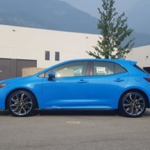 Blue Toyota Corolla with Blue AlloyGators